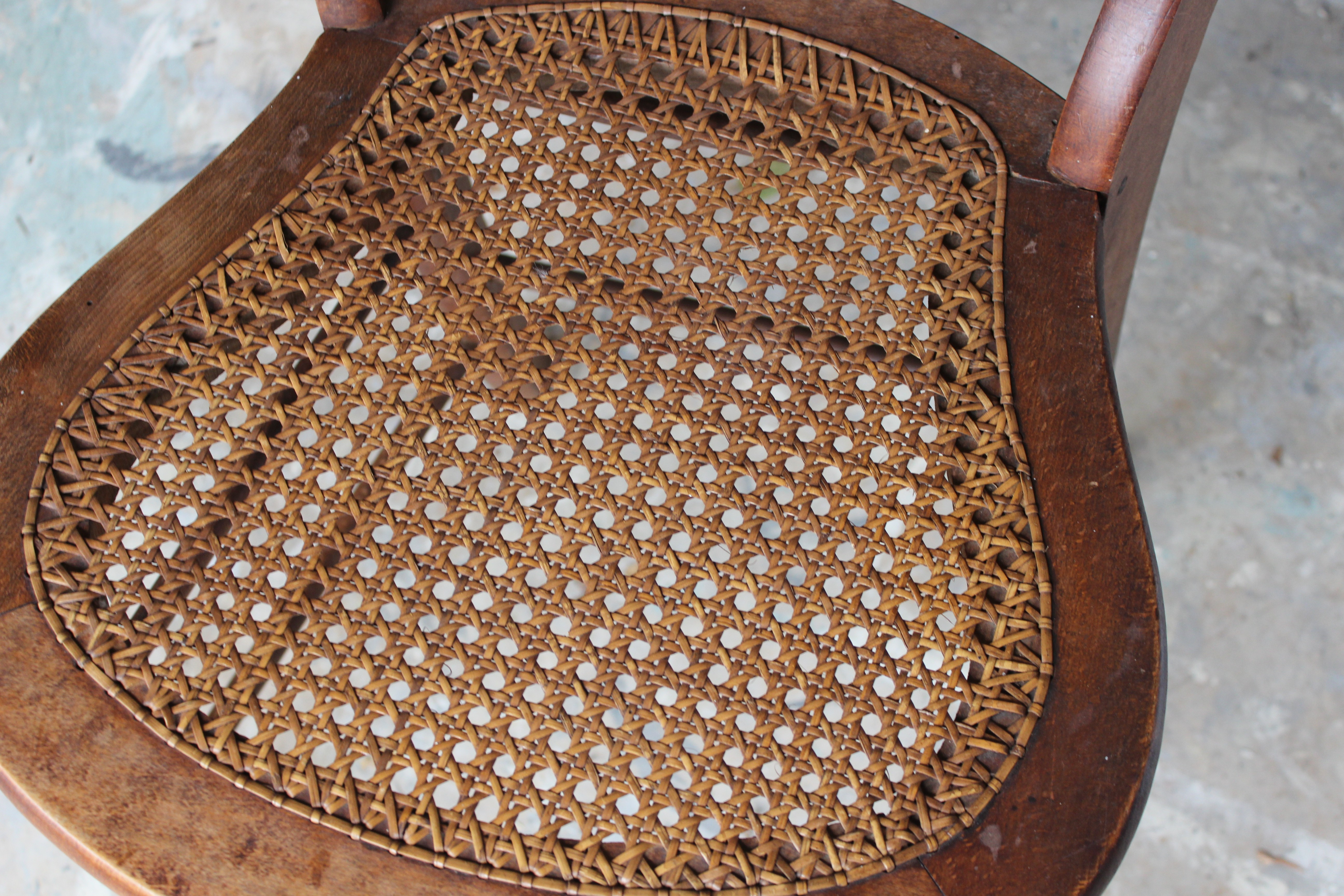 Bon When Painting Cane You Want To Use The Paint Sparingly So That It Does Not  Clump In The Basketweave. If This Happens It Is Very Difficult To Reverse  And May ...